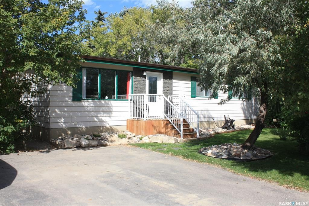 Main Photo: 214 Drake Avenue in Viscount: Residential for sale : MLS®# SK870703