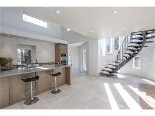 Photo 3: 74 Hopwood Drive in Winnipeg: Tuxedo Residential for sale (1E)  : MLS®# 1700022