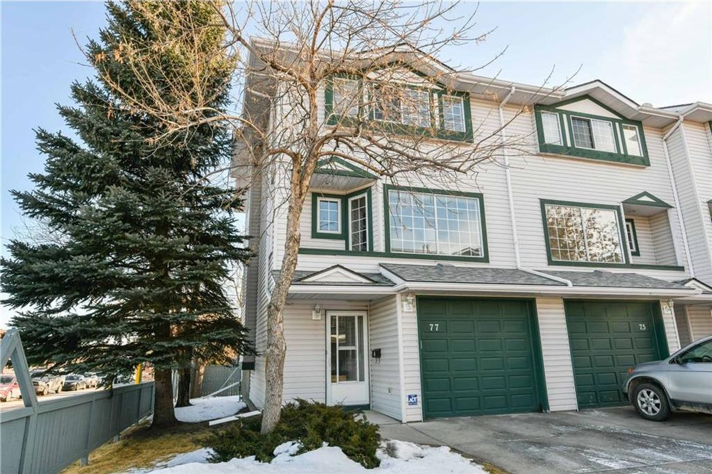Main Photo: 77 KINGSLAND Villa(s) SW in Calgary: Kingsland House for sale : MLS®# C4163923