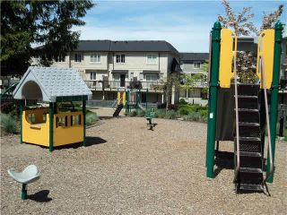 """Photo 19: 98 7938 209TH Street in Langley: Willoughby Heights Townhouse for sale in """"RED MAPLE PARK"""" : MLS®# F1415854"""