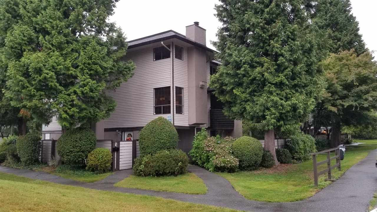 """Main Photo: 10634 HOLLY PARK Lane in Surrey: Guildford Townhouse for sale in """"Holly Park"""" (North Surrey)  : MLS®# R2405856"""