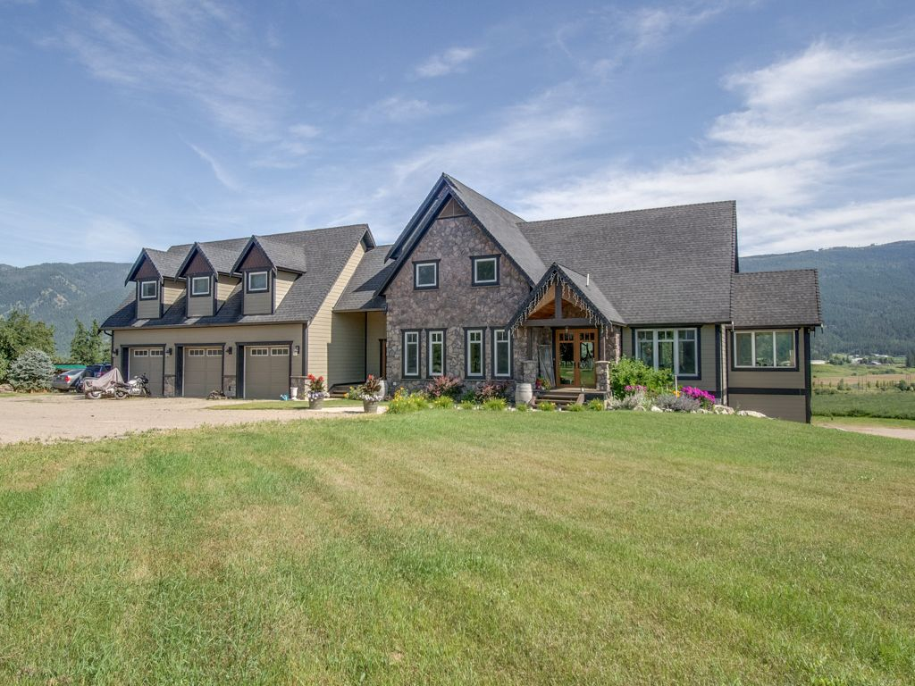 Main Photo: 2819 Young Road in Armstrong: House for sale : MLS®# 10210505