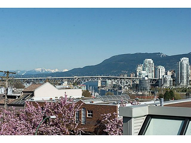 """Main Photo: 954 W 7TH Avenue in Vancouver: Fairview VW Townhouse for sale in """"Era"""" (Vancouver West)  : MLS®# V1003005"""