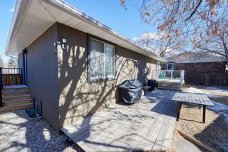 Photo 12: 27 Meadowview Road SW in Calgary: Meadowlark Park Detached for sale : MLS®# A1084197
