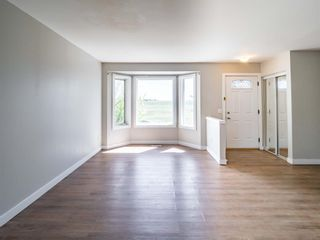 Photo 3: 144 Covington Road NE in Calgary: Coventry Hills Detached for sale : MLS®# A1115677