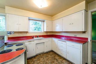 Photo 8: 5550 HALLEY Avenue in Burnaby: Central Park BS House for sale (Burnaby South)  : MLS®# R2125611