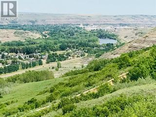 Photo 7: 750 Monarch  Hill in Drumheller: House for sale : MLS®# A1051022