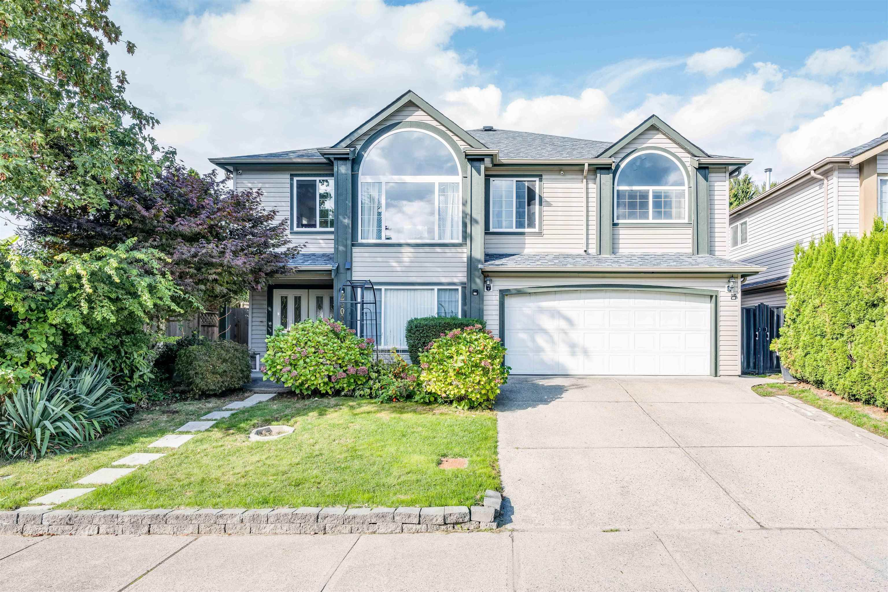 Main Photo: 23027 CLIFF Avenue in Maple Ridge: East Central House for sale : MLS®# R2619476