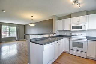Photo 13: 201 Prestwick Circle SE in Calgary: McKenzie Towne Row/Townhouse for sale : MLS®# A1130382