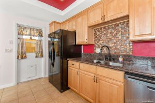 Photo 10: SPRING VALLEY House for sale : 3 bedrooms : 1015 Maria Avenue