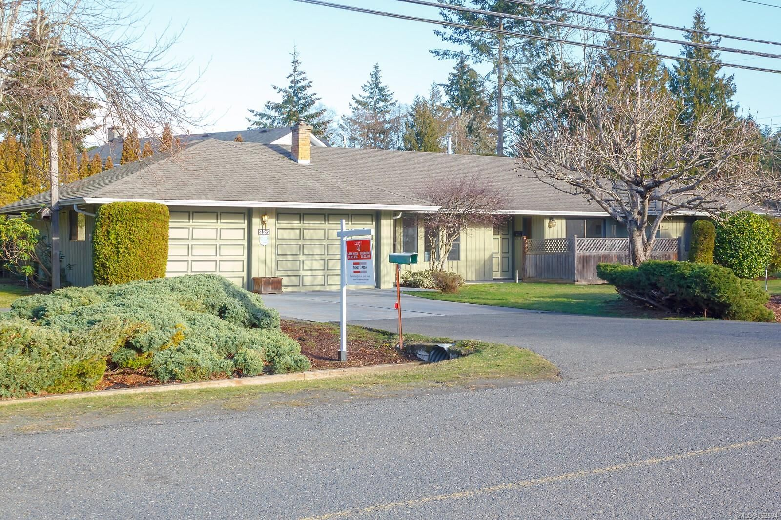 Main Photo: 926 Mulholland Dr in : PQ French Creek House for sale (Parksville/Qualicum)  : MLS®# 862894