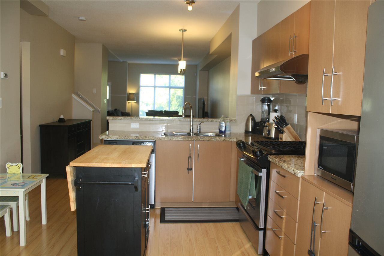 """Photo 3: Photos: 71 9800 ODLIN Road in Richmond: West Cambie Townhouse for sale in """"HENNESSY GARDEN"""" : MLS®# R2004610"""