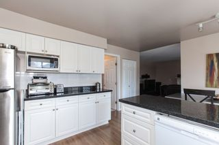 """Photo 6: 8609 215 Street in Langley: Walnut Grove House for sale in """"FOREST HILLS"""" : MLS®# R2587479"""