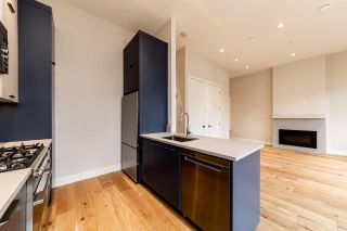 Photo 12: 941 E 24TH Avenue in Vancouver: Fraser VE 1/2 Duplex for sale (Vancouver East)  : MLS®# R2407771