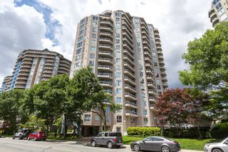 """Photo 1: 902 1185 QUAYSIDE Drive in New Westminster: Quay Condo for sale in """"RIVIERA MANSIONS"""" : MLS®# R2085101"""