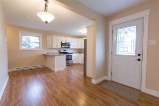 Photo 2: 1590 Maple Street in Kingston: 404-Kings County Residential for sale (Annapolis Valley)  : MLS®# 202007297