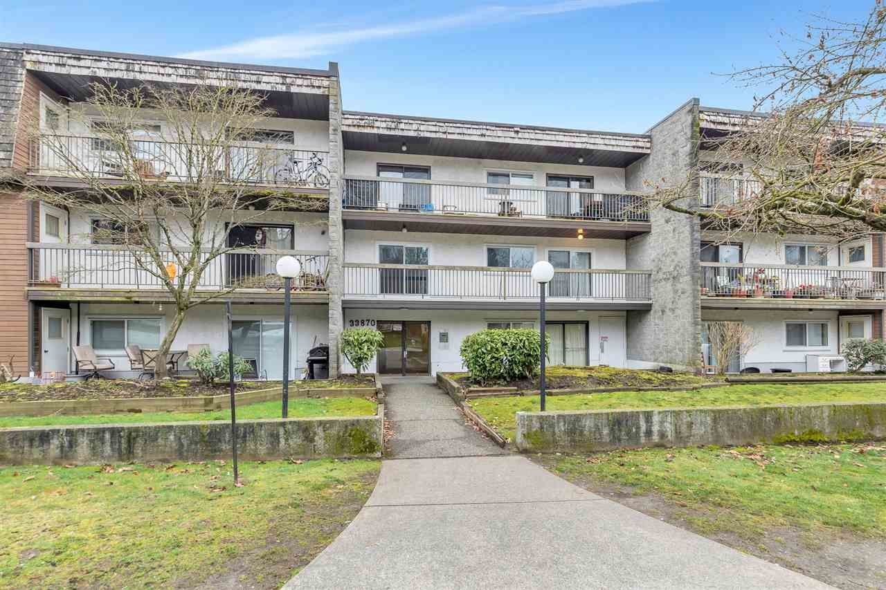 Main Photo: 213 33870 FERN Street in Abbotsford: Central Abbotsford Condo for sale : MLS®# R2555023