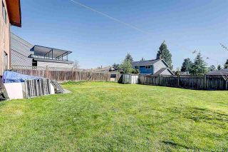Photo 5: 14528 CHARTWELL Drive in Surrey: Bear Creek Green Timbers House for sale : MLS®# R2561575