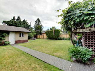 Photo 17: 4042 W 28TH Avenue in Vancouver: Dunbar House for sale (Vancouver West)  : MLS®# R2089247