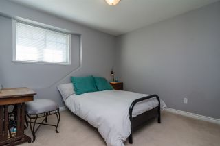 """Photo 14: 6213 167A Street in Surrey: Cloverdale BC House for sale in """"Clover Ridge"""" (Cloverdale)  : MLS®# R2229803"""
