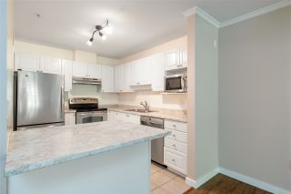"""Photo 4: 111 2559 PARKVIEW Lane in Port Coquitlam: Central Pt Coquitlam Condo for sale in """"THE CRESCENT"""" : MLS®# R2486202"""