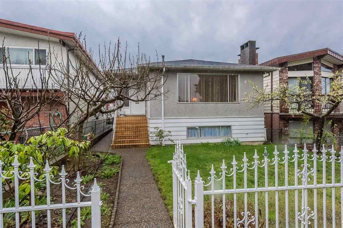 Main Photo: 3150 E 6TH Avenue in Vancouver: Renfrew VE House for sale (Vancouver East)  : MLS®# R2360553
