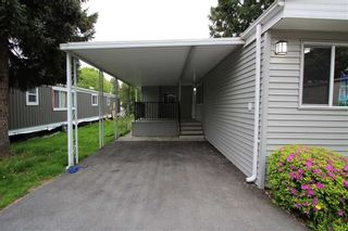 """Photo 2: 15 7790 KING GEORGE Boulevard in Surrey: East Newton Manufactured Home for sale in """"CRISPEN BAYS"""" : MLS®# R2426382"""
