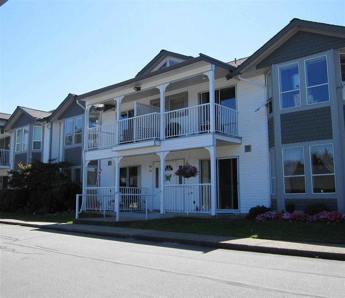 "Main Photo: 50 12296 224 Street in Maple Ridge: East Central Townhouse for sale in ""THE COLONIAL"" : MLS®# R2096242"