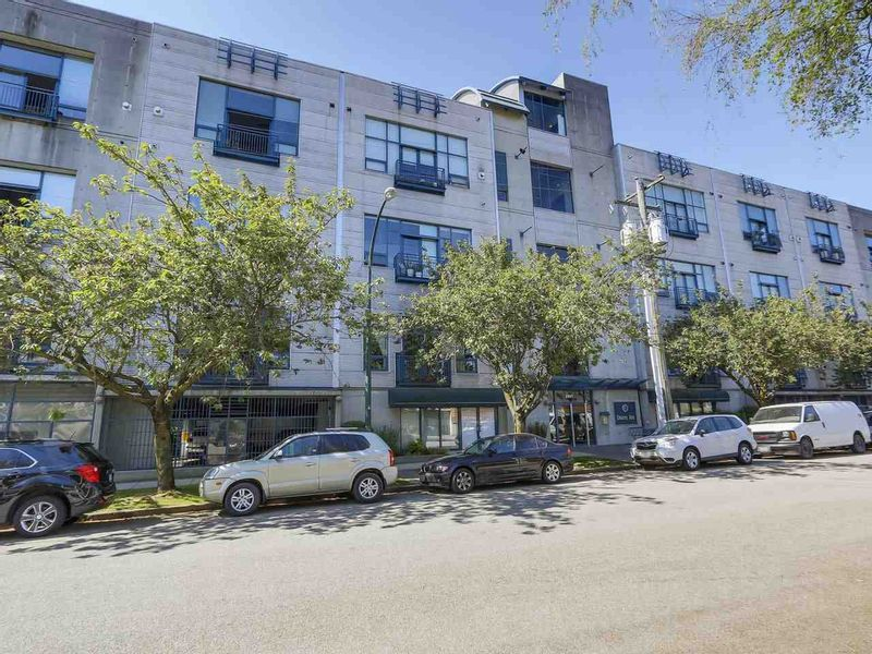 FEATURED LISTING: 415 - 2001 WALL Street Vancouver