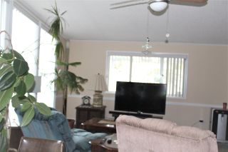 """Photo 5: 17 145 KING EDWARD Street in Coquitlam: Maillardville Manufactured Home for sale in """"MILL CREEK VILLAGE"""" : MLS®# R2411158"""