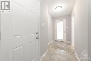 Photo 2: 84 STOCKHOLM PRIVATE in Ottawa: House for sale : MLS®# 1258634
