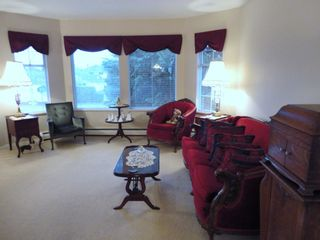 Photo 5: 9168 160A STREET in MAPLE GLEN: House for sale