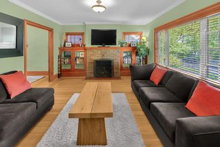 Photo 2: 2086 PARKER Street in Vancouver: Grandview Woodland House for sale (Vancouver East)  : MLS®# R2380539