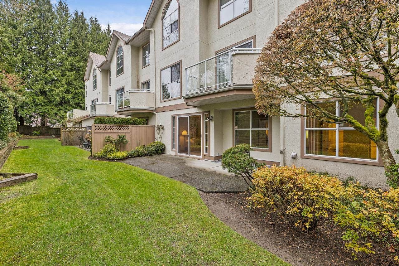 """Main Photo: 11 5575 PATTERSON Avenue in Burnaby: Central Park BS Townhouse for sale in """"ORCHARD COURT"""" (Burnaby South)  : MLS®# R2601835"""