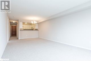Photo 5: 117 EDGEHILL Drive Unit# 104 in Barrie: Condo for sale : MLS®# 40147841
