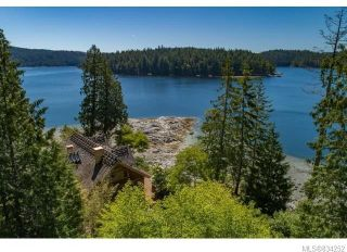 Photo 1: 684 Whaletown Rd in Cortes Island: Isl Cortes Island House for sale (Islands)  : MLS®# 834252