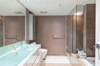 """Photo 19: 1802 8 SMITHE Mews in Vancouver: Yaletown Condo for sale in """"Flagship"""" (Vancouver West)  : MLS®# R2577399"""