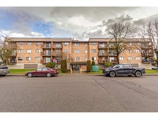 "Photo 1: 110 9282 HAZEL Street in Chilliwack: Chilliwack E Young-Yale Condo for sale in ""Hazelwood Manor"" : MLS®# R2539822"