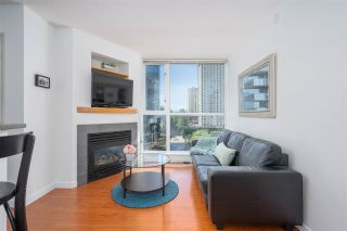 """Photo 2: 1106 1068 HORNBY Street in Vancouver: Downtown VW Condo for sale in """"The Canadian at Wall Centre"""" (Vancouver West)  : MLS®# R2485432"""