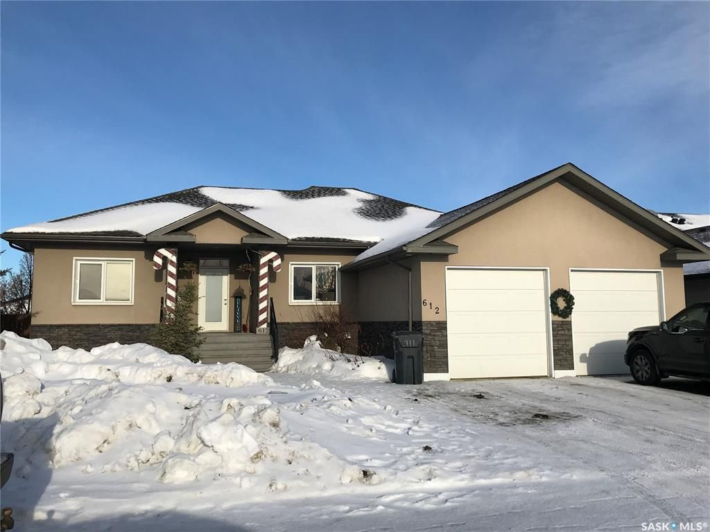Main Photo: 612 Cannon Court in Aberdeen: Residential for sale : MLS®# SK839651