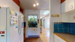 "Photo 8: 5824 MEDUSA Street in Sechelt: Sechelt District House for sale in ""DOWNTOWN"" (Sunshine Coast)  : MLS®# R2458155"