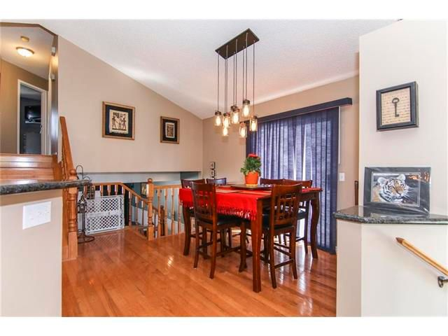 Photo 6: Photos: 208 MT ABERDEEN Circle SE in Calgary: McKenzie Lake House for sale : MLS®# C4067845