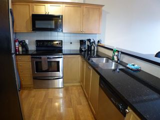 Photo 6: 406 9000 BIRCH STREET in Chilliwack: Chilliwack W Young-Well Condo for sale : MLS®# R2235319