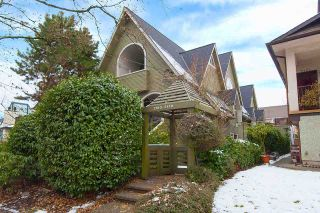 """Photo 18: 2415 W 6TH Avenue in Vancouver: Kitsilano Townhouse for sale in """"Cute Place In Kitsilano"""" (Vancouver West)  : MLS®# R2129865"""