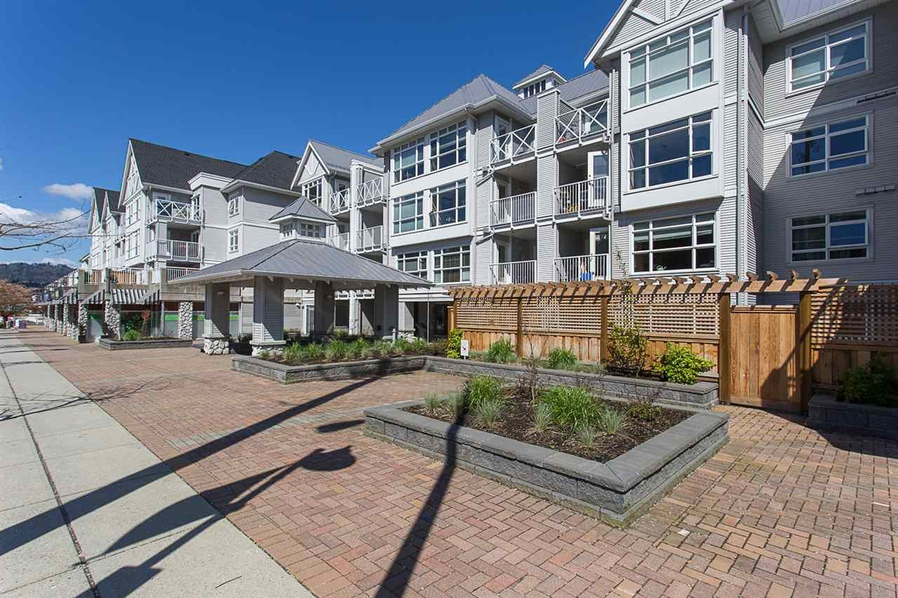 """Main Photo: 422 3122 ST JOHNS Street in Port Moody: Port Moody Centre Condo for sale in """"SONRISA"""" : MLS®# R2159286"""