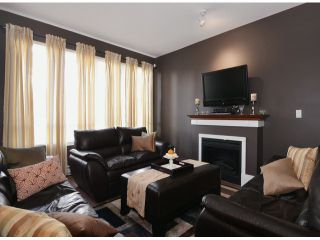 """Photo 2: 13 16772 61ST Avenue in Surrey: Cloverdale BC Townhouse for sale in """"Laredo"""" (Cloverdale)  : MLS®# F1322525"""