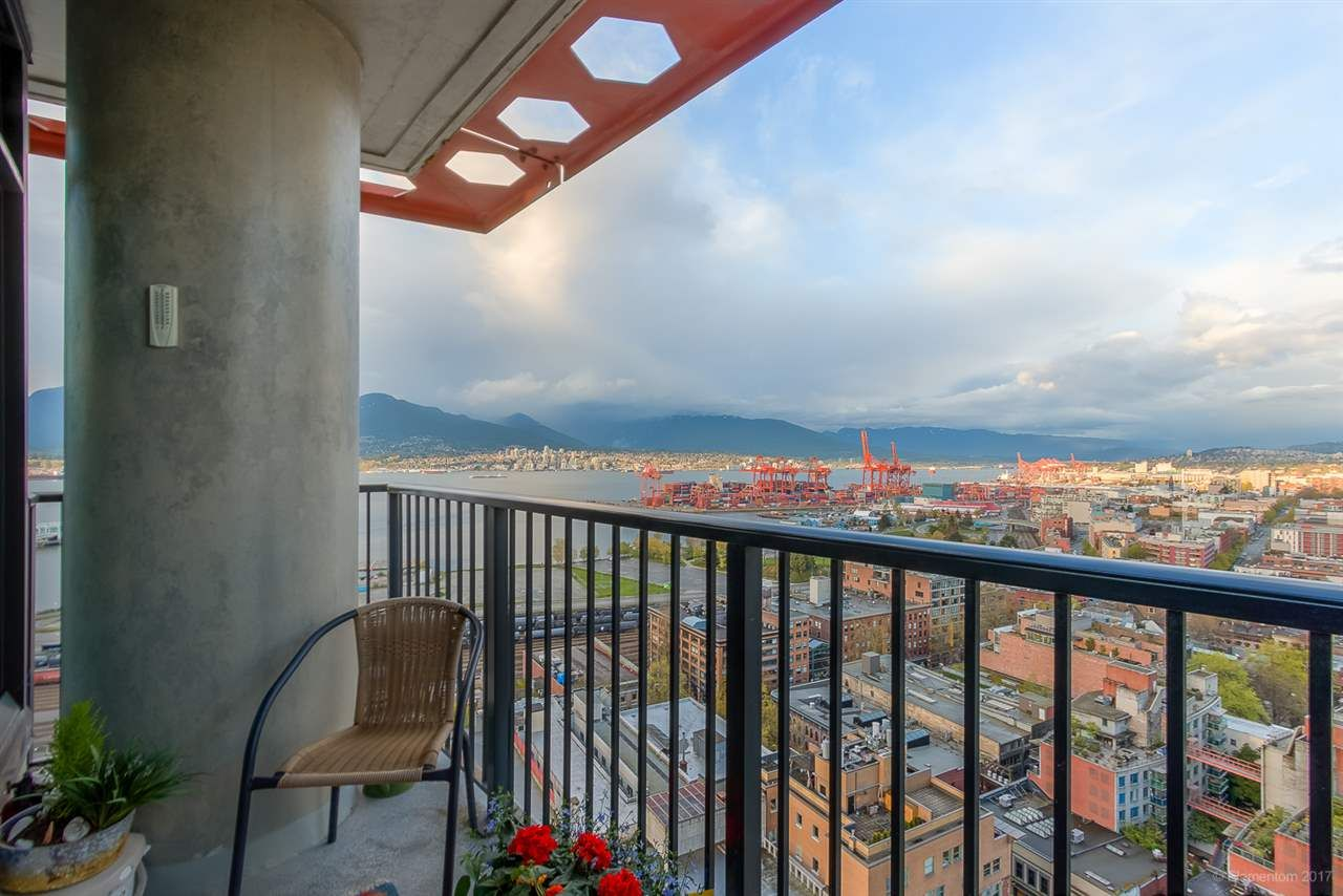 """Photo 15: Photos: 2503 128 W CORDOVA Street in Vancouver: Downtown VW Condo for sale in """"WOODWARDS W43"""" (Vancouver West)  : MLS®# R2199379"""