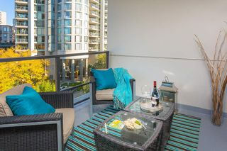 """Photo 9: 512 135 W 2ND Street in North Vancouver: Lower Lonsdale Condo for sale in """"CAPSTONE"""" : MLS®# R2212509"""