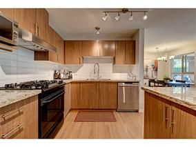 Photo 5: #118-700 Klahanie Dr. in Port Moody: Port Moody Centre Condo for sale : MLS®# V1125177