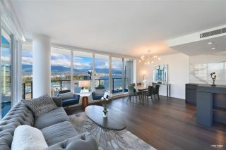 """Photo 6: 2001 620 CARDERO Street in Vancouver: Coal Harbour Condo for sale in """"Cardero"""" (Vancouver West)  : MLS®# R2563409"""